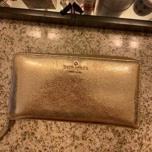 💛♠️ Kate spade zip around wallet ♠️💛